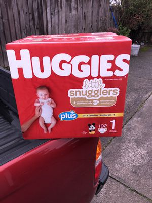 HUGGIES LITTLE SNUGGLERS 192 DIAPERS SIZE 1 LARGE BOX for Sale in Tacoma, WA
