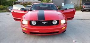 2005 ford mostang Very good condition needs nothing has Ohio rebuilt title mileage116000 for Sale in Columbus, OH