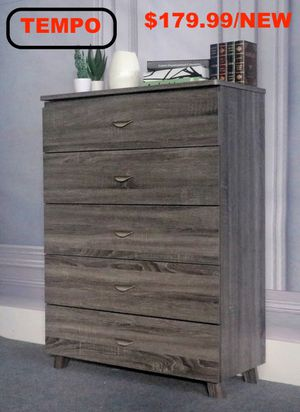 5 Drawer Chest , Distressed Grey, SKU #Y1606 for Sale in Pico Rivera, CA