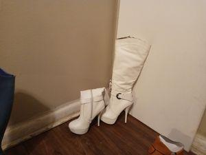 Women's leg high white boots size 7 for Sale in Wichita, KS