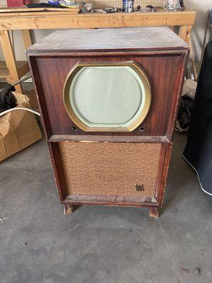 Antique Motorola brand T V for Sale in Midland, TX