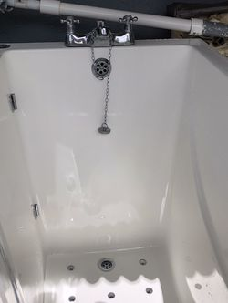 Handicap walk-in Shower Ready To Intall for Sale in Lehigh Acres,  FL
