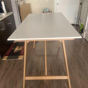 Table for Sale in Arlington, VA