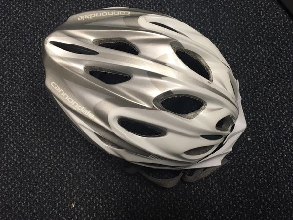 Cannondale bike helmet like new
