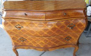 Mueble antiguo muy bonito y vien cuidado for Sale in Fresno, CA