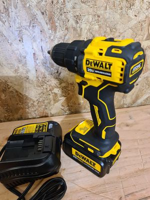 Dewalt ATOMIC 20-Volt MAX Brushless Cordless 1/2 in. Drill/Driver with 3.0 ah battery pack for Sale in Snohomish, WA