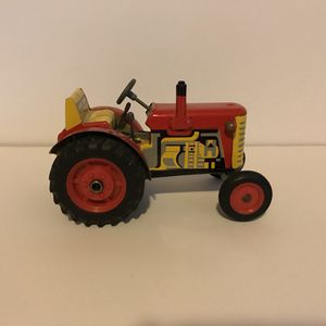 VINTAGE ZETOR TIN TOY TRACTOR! VERY COLLECTIBLE! PRICED TO SELL! for Sale in Brooklyn, NY