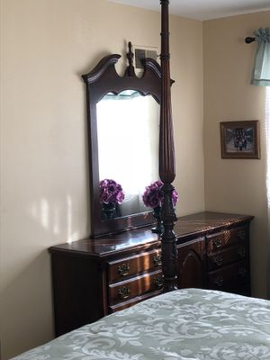 Bedroom Set for Sale in Manchester, MO