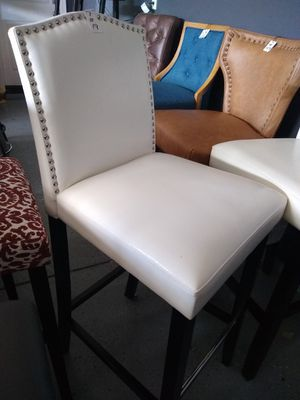 """White Nailhead Barstools 30"""" 6 AVAILABLE $89 each! NEW in box for Sale in Manteca, CA"""
