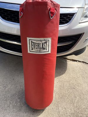 Everlast Full Size Punching Bag for Sale in Towson, MD
