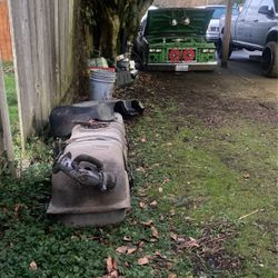 Passenger Side Truck Fuel Tank With Universal Bracket for Sale in Renton,  WA