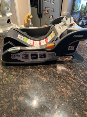 2 Base for infant car seat chicco very good condition for Sale in Germantown, MD
