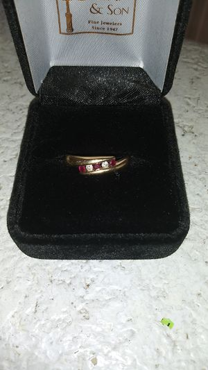 Female engagement ring. Size 7 for Sale in Aberdeen, WA