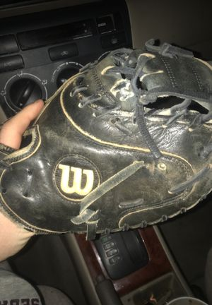 Wilson A2403 Catchers Glove for Sale in Henderson, NV