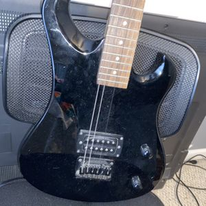 first act electric guitar black for Sale in Murfreesboro, TN