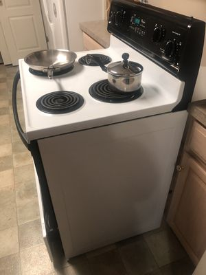 Whirlpool Stove/Oven Kempsville Area for Sale in Virginia Beach, VA