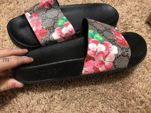 Gucci slides size 5 for Sale in Spokane, WA