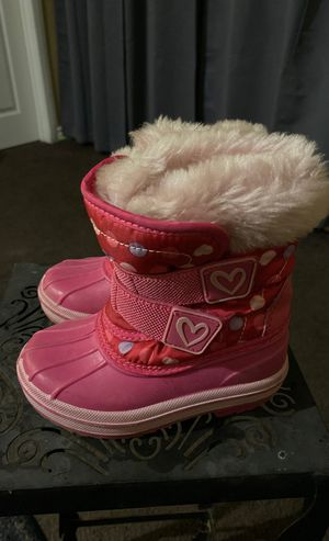 Toddler Girl Size 5/6 pink Snow Boots for Sale in West Carson, CA