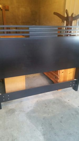 QUALITY BLACK QUEEN SIZE HEADBOARD AND FOOTBOARD for Sale in Fairfax, VA