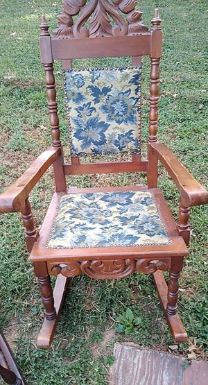 Antique chair for Sale in Evansville, IN