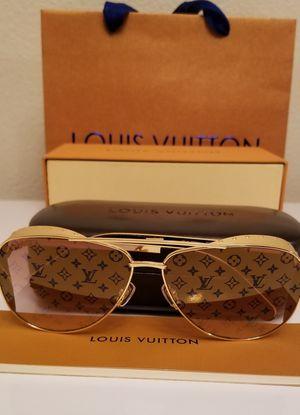 100% Authentic Louis Vuitton Las Vegas Parano Z1054E Gold Studded Monogram Lens Sunglasses for Sale in Aurora, CO