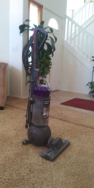 Dyson ball plus vacuum for Sale in Murrieta, CA