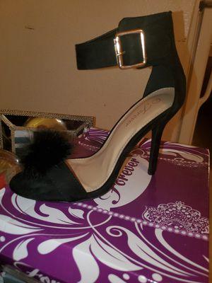 Women's black heel with fur accent for Sale in Las Vegas, NV