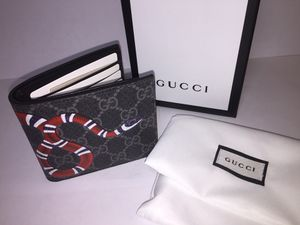 Gucci Supreme Snake Leather Wallet Authentic for Sale in Queens, NY