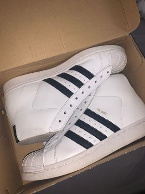 Hight top addidas sz 51/2 for Sale in Florissant, MO