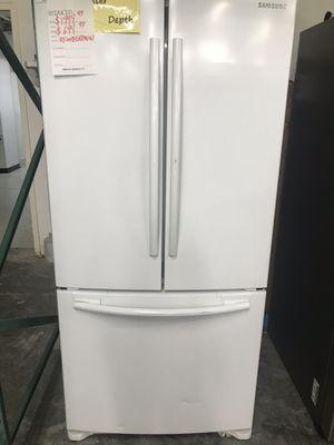 Samsung Bottom Ice Maker Refrigerator for Sale in Corona, CA