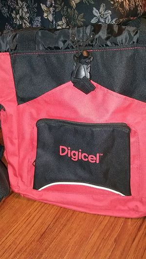 Brand new bag pak and douffle bag with accessories holder for Sale in Euless, TX