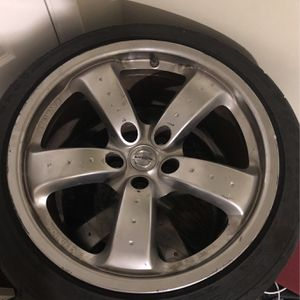 350z Ray Staggered Anniversary Wheels for Sale in Pompano Beach, FL