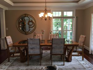 Oak dinning room table and chairs for Sale in Gambrills, MD