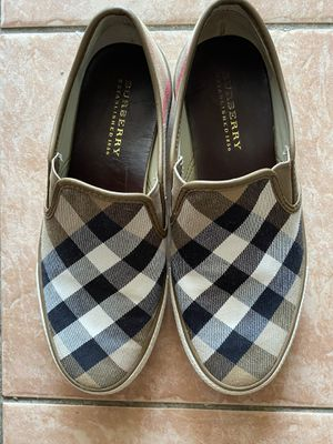 Burberry Cndonqingua Slip Ons size 39 for Sale in San Diego, CA