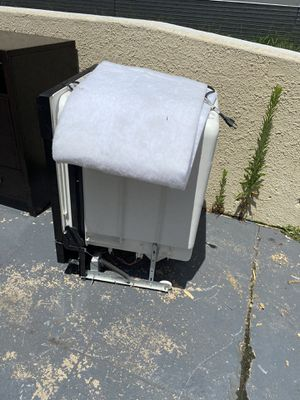 Whirlpool dishwasher for Sale in Silver Spring, MD