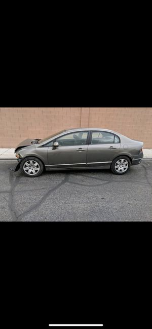 PARTING OUT 2006 - 2011 HONDA CIVIC PARTS for Sale in Los Angeles, CA
