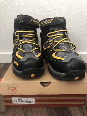 Boys Snow boots / Hiking boots / Winter boots 3.5 for Sale in National City, CA
