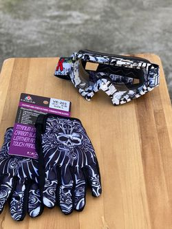 Dirt Bike Goggle And Gloves for Sale in Brooklyn,  NY