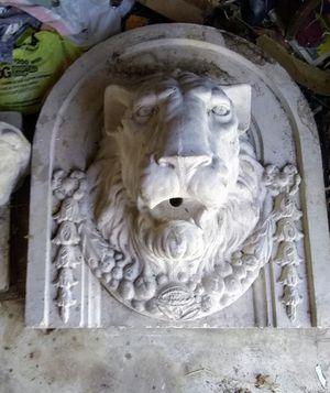 Lion head fountain for Sale in Elmendorf, TX