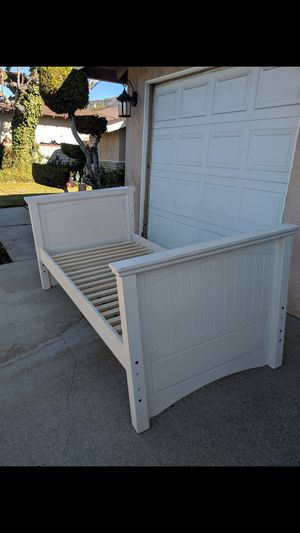 Twin bed frame for Sale in Glendora, CA