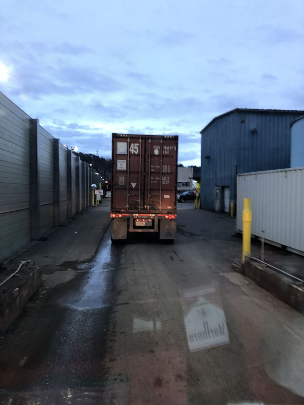 3 40 ' storage containers , need gone ASAP , CHEAP