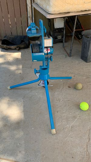Lite-flite pitching machine for Sale in Victorville, CA