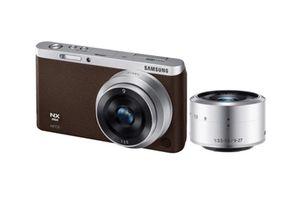 Samsung NX Mini WiFi Selfie Camera with case for Sale in Renton, WA
