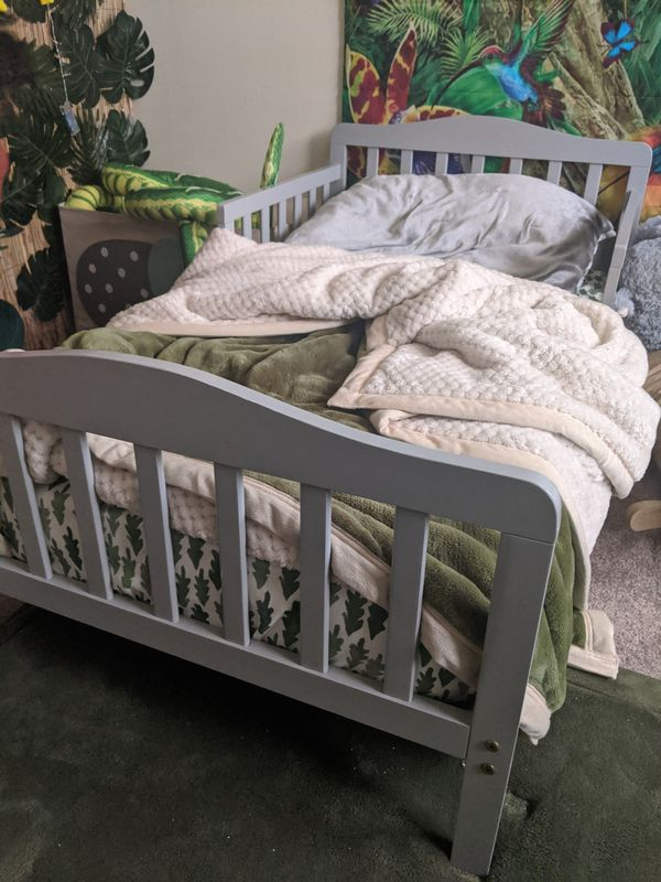 Toddler bed, gray, real wood x2