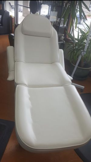 Tattoo Bed, Facial Table, Spa Chair, Lashes, Microblading, Threading, Waxing Table. for Sale in Everett, WA