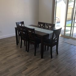 Dinning Table And Chairs (Set Of 7) for Sale in Visalia,  CA