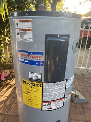 Water heater electric -30 gallons for Sale in Los Angeles, CA