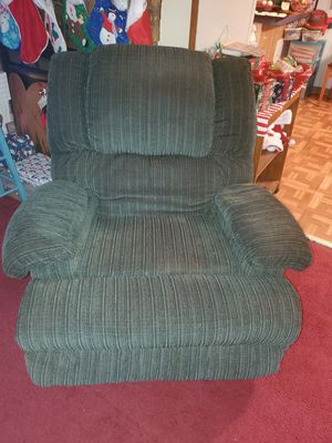 Recliner for Sale in Groveton, TX