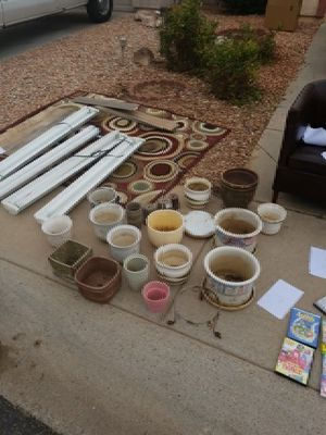 Planting Pots and lights for Sale in Scottsdale, AZ