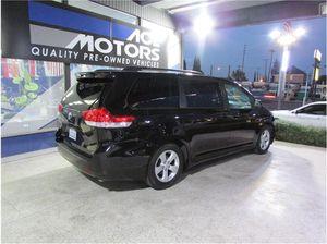2011 Toyota Sienna LE Minivan 4D for Sale in Anaheim, CA